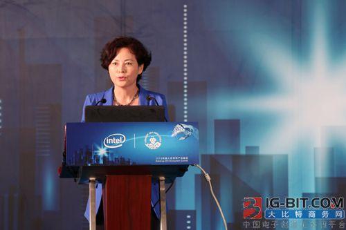 """世界机器人大会秘书长徐晓兰: """"机器换人""""不能将中国机器人市场拱手相让"""