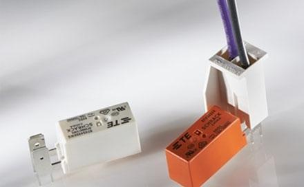 TE Connectivity 推出新品2 针强制锁定外壳