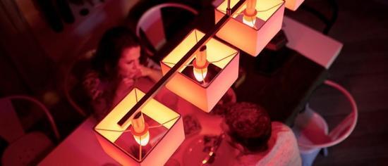 飞利浦推出蜡烛灯泡 个性化的照明获IF产品设计奖