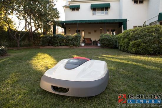 本田向美国用户推出草坪机器人Miimo,形似Roomba