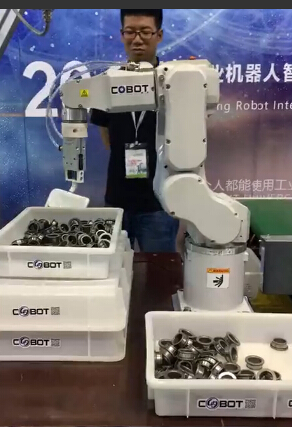 无序分拣机器人 精度达到微米级