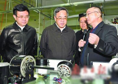 胡春华走访企业:以智能制造 推动大亚湾产业升级