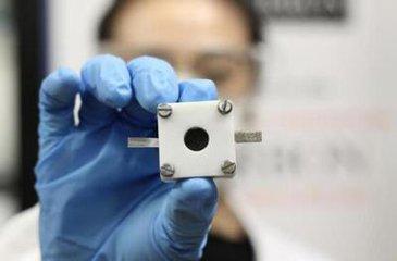 悉尼大学研制出新型可充电锌空电池