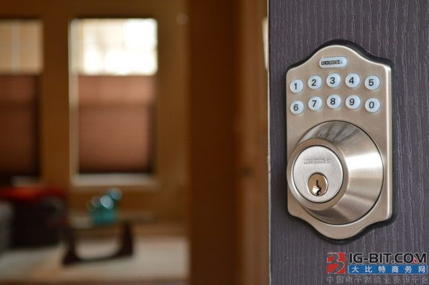 最担心的事发生了:智能门锁变砖块 500多用户有家归不得