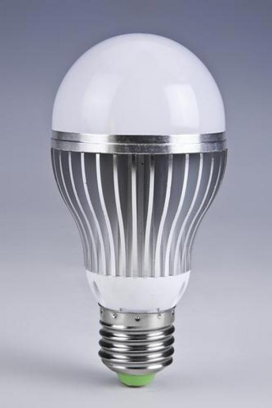 """中国LED灯风靡全球:美国占一半销量 让他们""""更便宜地过节""""!"""