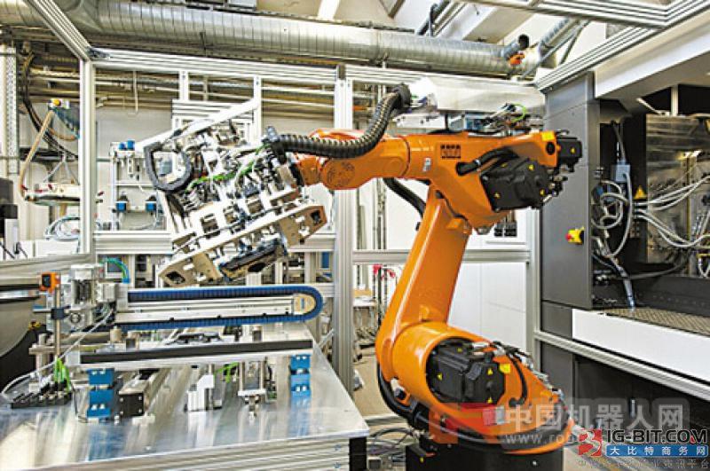 """工业机器人实现精准制造 成众企业""""抢滩""""市场"""