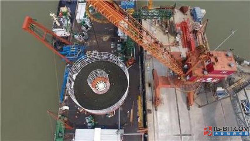 世界首根大长度交流500kV海底电缆在亨通智能车间问世