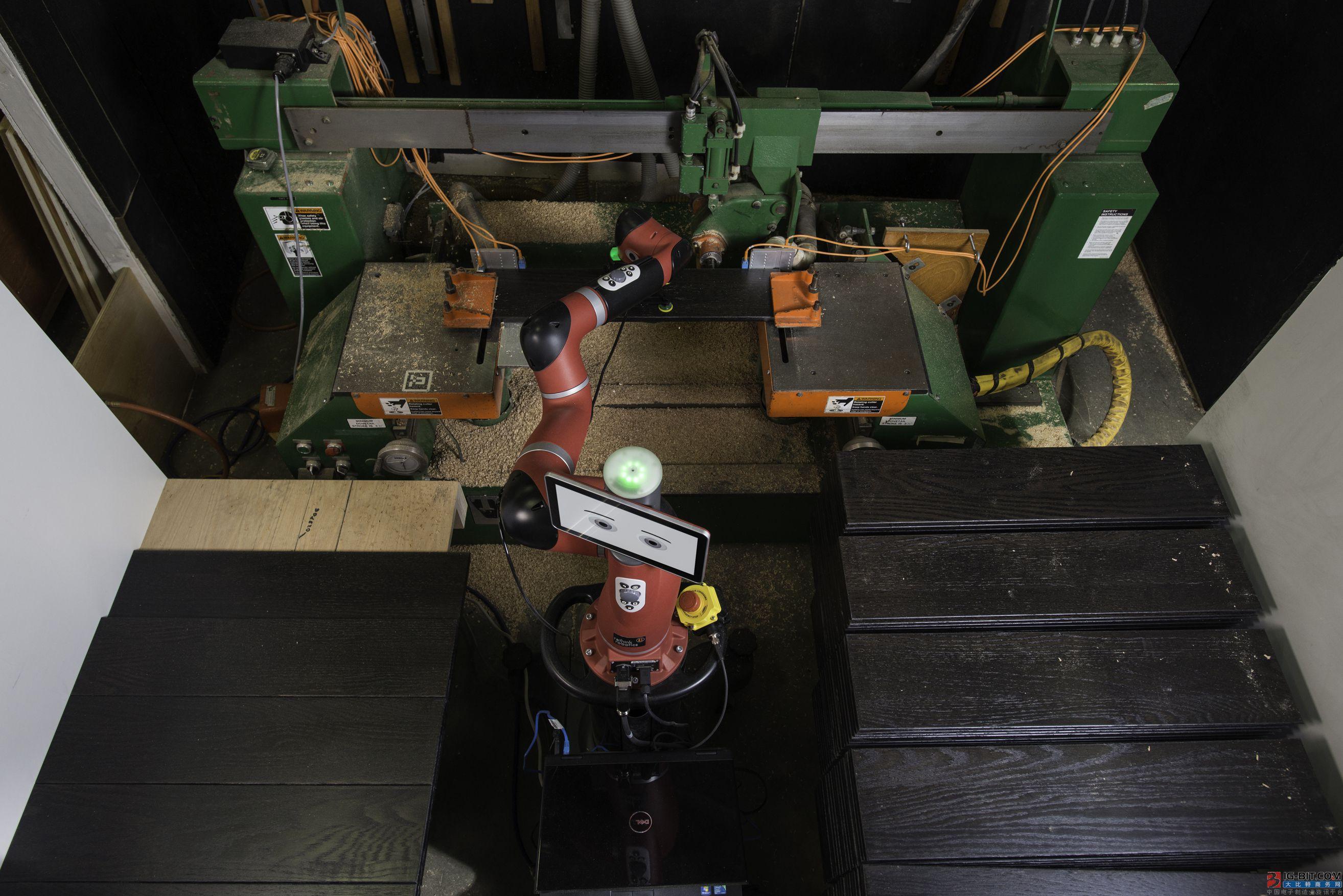 Sawyer智能协作机器人帮助美国家具制造商填补劳动力缺口