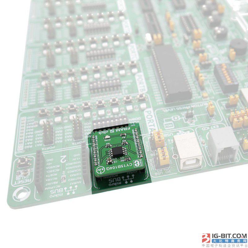 """加利福尼亚州圣何塞,2017 年 12 月 6 日——赛普拉斯半导体公司(纳斯达克代码:CY)今日宣布嵌入式系统零售商MikroElektronika (MikroE) 在其最新的带有mikroBUS™接口的 Click Board™板卡中采用了赛普拉斯 4-Mb 串行铁电随机存取存储器 (F-RAM™)。FRAM 2 Click Board 板卡是紧凑型的即插即用解决方案,用于评估赛普拉斯F-RAM的数据记录和处理能力,有效加快工业物联网应用的原型设计和开发进程。赛普拉斯 4-Mb F-RAM Click Board 板卡可于https://shop.mikroe.com/fram-2-click购买。   赛普拉斯 4-Mb 串行 F-RAM 系列是工业物联网应用以及需要高性能、高可靠性的非易失性数据捕获的智能仪表、测试测量设备、无线传感器节点和工厂设备等低功耗应用的理想存储器选择。该系列存储器具有 40-Mhz 串行外设接口 (SPI),工作电压为 2.0V - 3.6V,采用 8 引脚行业标准封装,符合RoHS规范。所有赛普拉斯 F-RAM 产品均具备 100 万亿 (10^14) 次的读写周期耐久性,数据保存时间在 85°C时可达 10 年,在 65°C时可达 151 年。赛普拉斯的低功耗 F-RAM 存储器非常适合需要高频率和高可靠连续记录数据的应用。更多关于赛普拉斯 F-RAM 产品组合的信息,敬请浏览http://www.cypress.com/products/f-ram-nonvolatile-ferroelectric-ram。  MikroElektronika产品营销经理AleksandarMitrovic表示:""""我们的 Click Board 板卡已成为新的物联网应用原型设计的行业标准。实现工业设备智能化要求快速数据记录的同时,还需要考虑功耗问题。赛普拉斯的 F-RAM 集高速、可靠和低功耗于一体,是 Click Board 的绝佳搭配,可满足客户对工业物联网设计的需求。""""  赛普拉斯 RAM 高级产品营销经理 Douglas Mitchell 表示:""""工业 4.0 的发展推动半导体供应商为实现工厂设备智能化提供解决方案。对于需要可靠耐久的数据记录的工业物联网系统,赛普拉斯 F-RAM 等高性能非易失性存储器对于记录关键数据至关重要。MikroE的全新 Click Board 采用我们的的 F-RAM 产品,为工业物联网开发者提供了快捷、简便的原型设计方法。""""  关于赛普拉斯F-RAM 赛普拉斯提供丰富的F-RAM产品线,容量涵盖4Kb至4Mb,电压范围是2.0V到5.5V。赛普拉斯的F-RAM具有近乎无限的100万亿次读写寿命,因而理想适合于写操作密集的应用。F-RAM是业界能效最高的非易失性RAM解决方案;F-RAM单元具有与生俱来的低功耗特点,无需充电泵即可工作。赛普拉斯的F-RAM对于需要高性能、高可靠性、低成本非易失性存储器的应用来说,是非常理想的选择。可应用于汽车、工业、计算、网络、智能仪表以及多功能打印机等众多产品中。欲了解更多关于赛普拉斯F-RAM产品线的情况,请访问:www.cypress.com/nonvolatile。  关于 MikroElektronika MikroElektronika是嵌入式系统开发所需的软硬件工具的制造商和零售商。主要软件产品包括用于微控制器编程的mikroC、mikroBasic和mikroPascal编译器。其 Click Board™旗舰硬件系列拥有超过 350 款扩展板,用于将外围传感器和收发器连接至微控制器。所有板卡产品均符合由MikroElektronika制定并为多个微控制器供应商所支持的mikroBUS™标准。"""