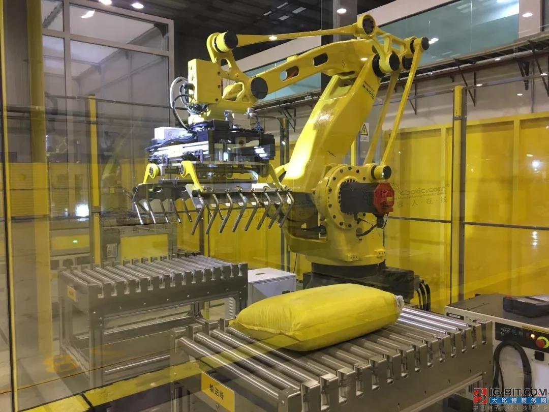 FANUC M-410iC/110机器人在码垛行业的应用