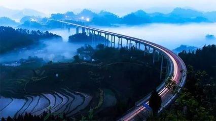 江苏万华为渝贵铁路开通提供全线2500公里光缆