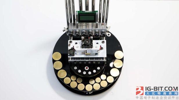 俄罗斯艺术家用直流电机制作离奇风琴声源