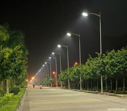 永川3000盏路灯大变样:新型LED全智能路灯