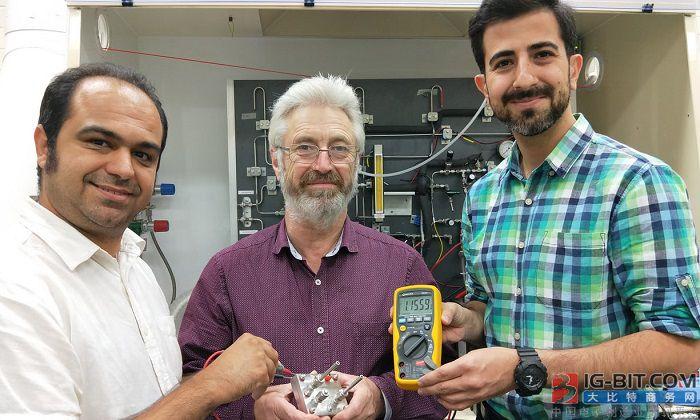 """研究人员打造""""质子""""电池 用廉价碳取代昂贵的锂"""