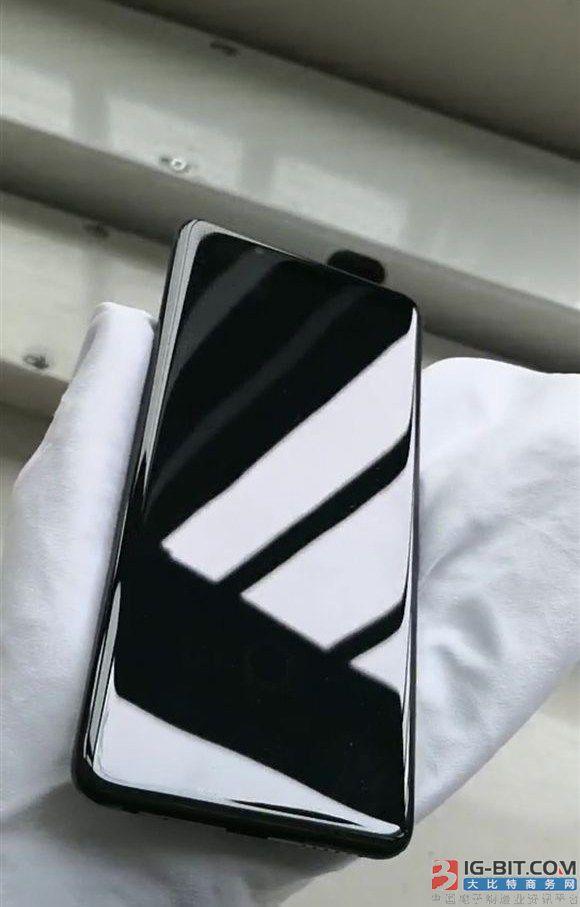 华为新机NEO首配512GB闪存 保时捷设计或为Mate X
