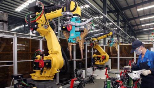 中国引领世界制造业自动化:对机器人需求高速增长
