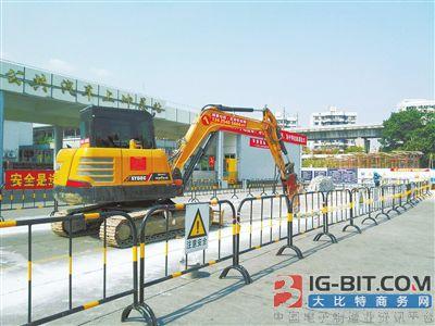 珠海公交去年规划建设296根充电桩将于4月底完工调试