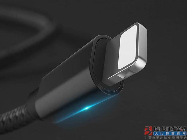 在苹果iPhone X发售时,不少人都吐槽iPhone X虽然支持快充,但标配的却是一枚普通功率的充电头,这是无法让iPhone X获得最快速的充电效率的。