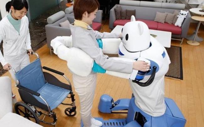 日本为减轻工作人员负担 研发护理机器人