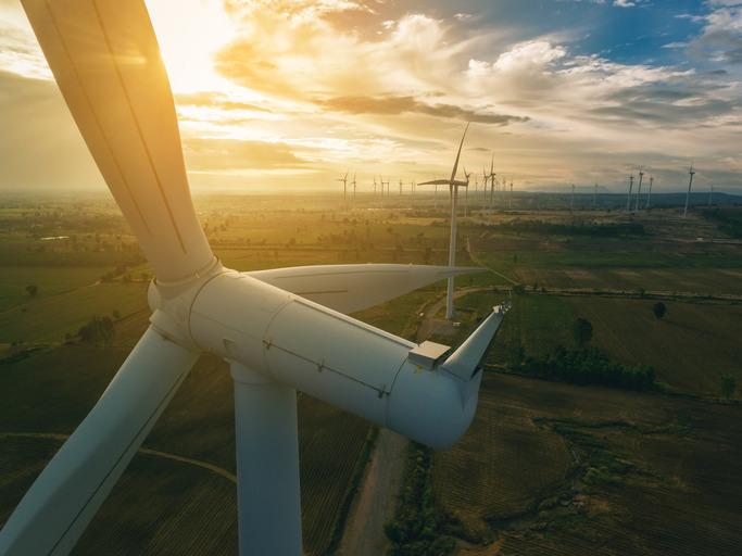 英国石油携手特斯拉开拓风电场电池储能