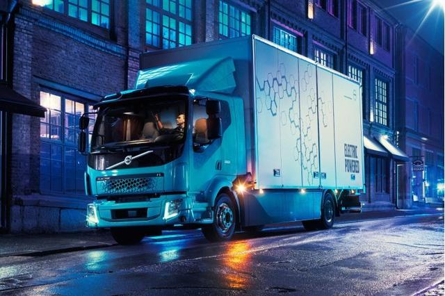 沃尔沃推出首款全电动商用卡车 续航可达300公里
