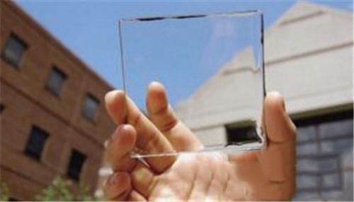 """中国首条大面积""""发电玻璃""""产线投产 应用于光伏建筑一体化"""
