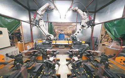 市场在前技术跟进 中国工业机器人大步争先