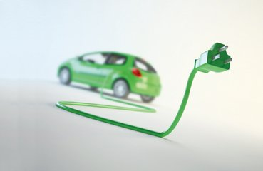 浅析中国新能源汽车产业发展三大障碍