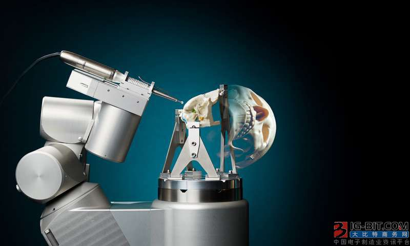 新型颅底手术机器人非常精确 可以大大减轻外科医生的工作量