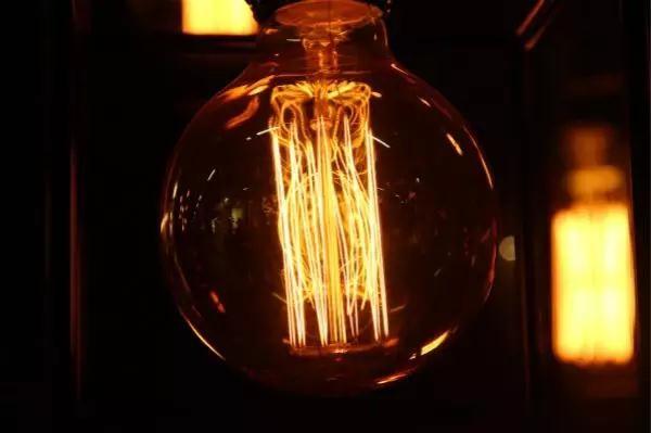 2018年美国市场灯丝灯需求飙升 企业纷纷进军灯丝灯领域