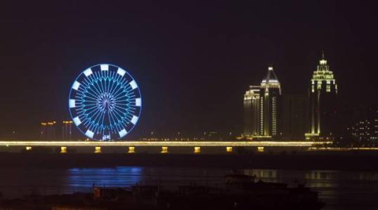 """南昌高新区LED产业引发""""蝴蝶效应"""" 高精尖企业纷至沓来"""