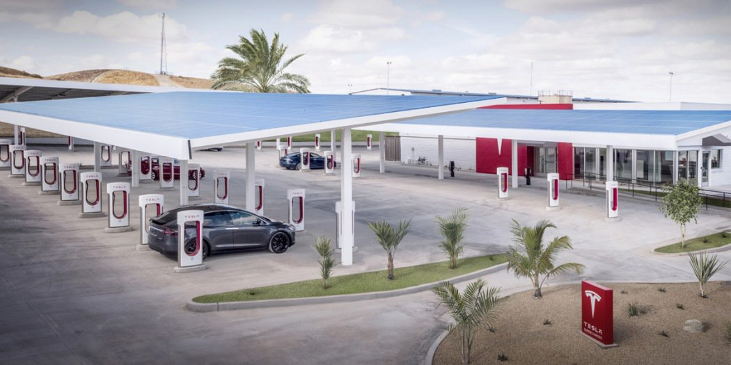 特斯拉数以千计超级充电站点在审核或建造中
