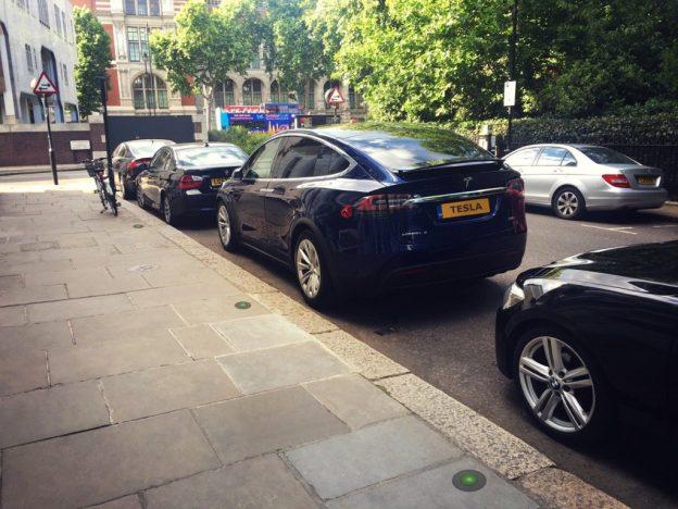 全新电动车充电桩登陆英国