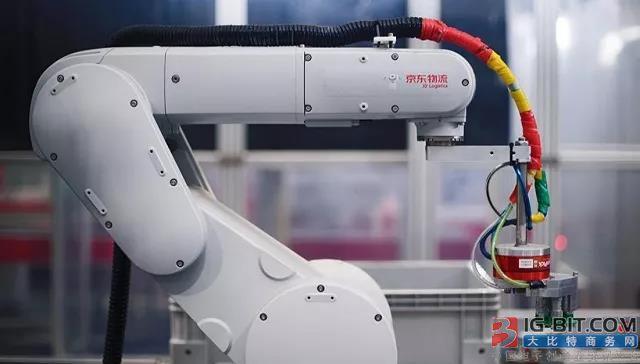 京东机器人使用规模有望跻身全球前五 机器人用于物流仓储成新趋势