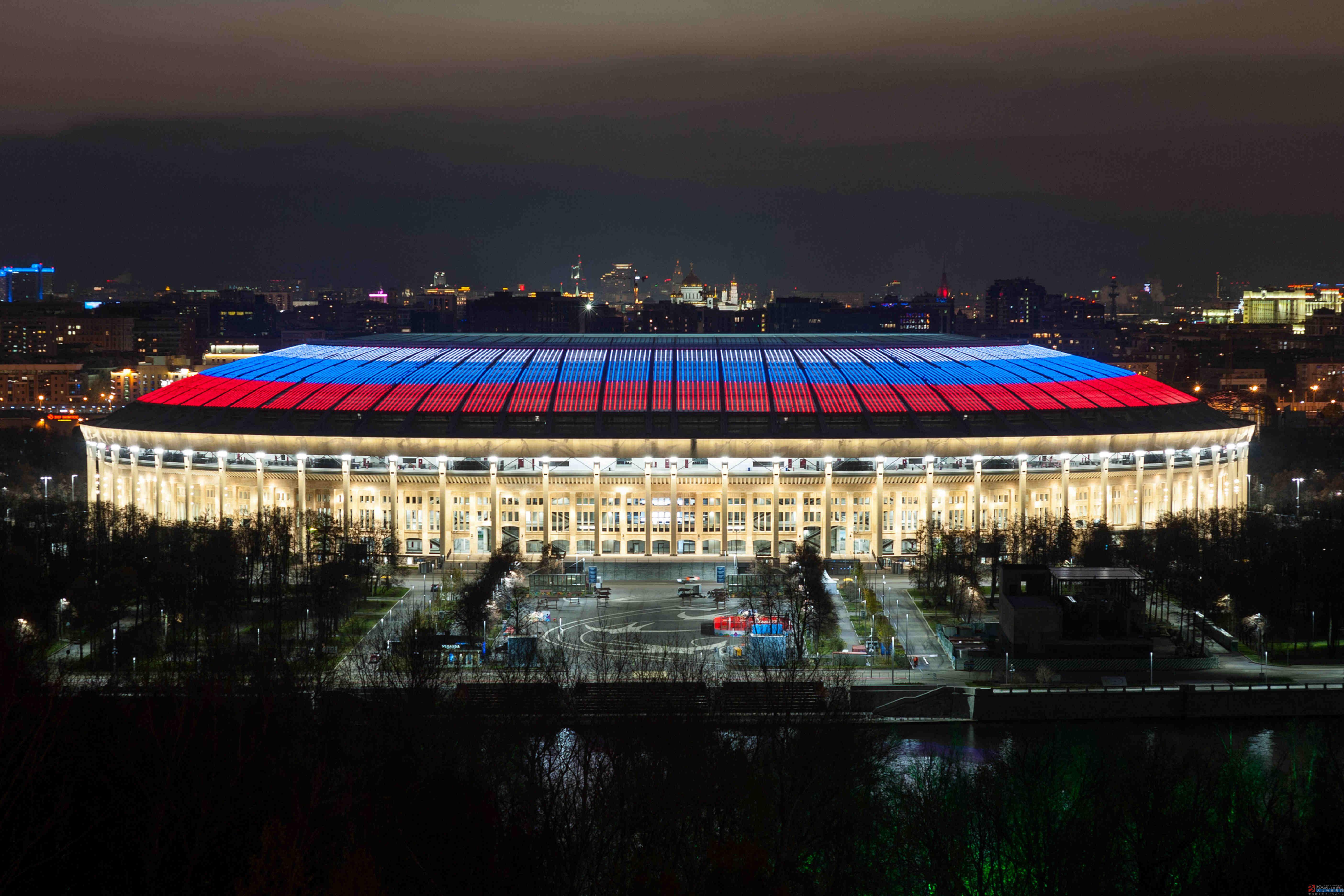 昕诺飞点亮10座俄罗斯运动场馆