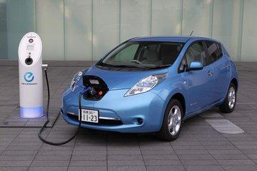 """电动汽车消费仍需摆脱""""里程焦虑"""""""