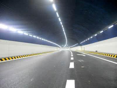 常洪隧道内灯光改造升级完成 更亮更省电