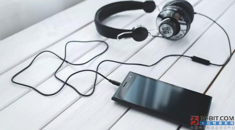 研究显示智能手机和平板电脑会损害儿童听力