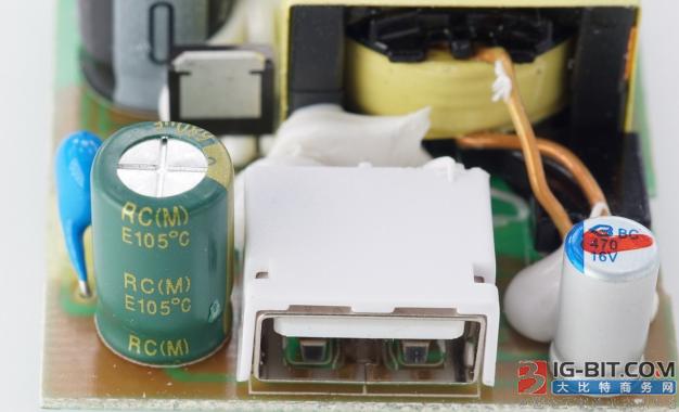 绿宝石面向快充市场推出多种电压段的电容解决方案