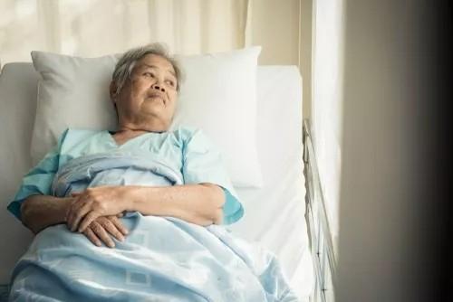 恰当的照明有助于改善阿尔茨海默病患者的睡眠和情绪?