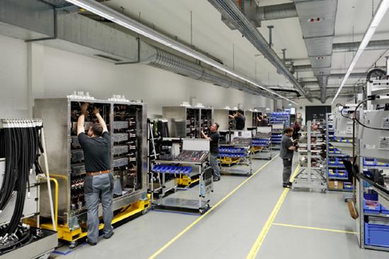 探访ABB智能工厂:科技重塑制造业未来