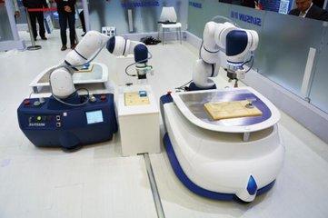 轻载复合机器人开启人机协作新时代