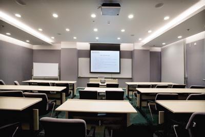 """正视教室照明""""盲区"""" 改善教室光环境"""