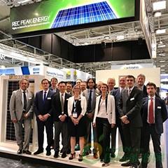 开创新纪元!REC集团推出世界首款采用双面板设计的N型单晶硅太阳能