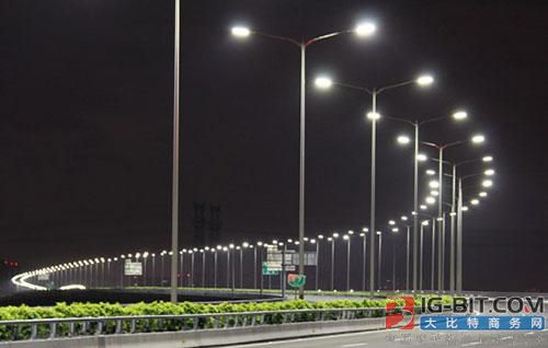投资90余万元 河东新区建起智能路灯控制系统