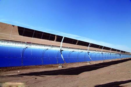我国首个大型商业化光热电站并网成功