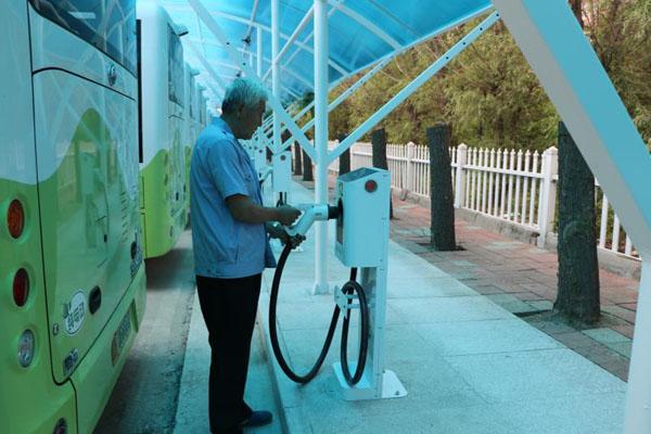 肇东首个新能源汽车智能充电站投入使用