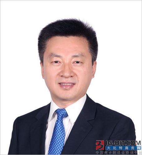 工学院侯仰龙教授当选英国皇家化学学会会士