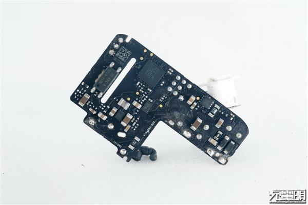 Charger of malic 30W, 29W tears open solution contrast: 4 archives power controls IC to upgrade