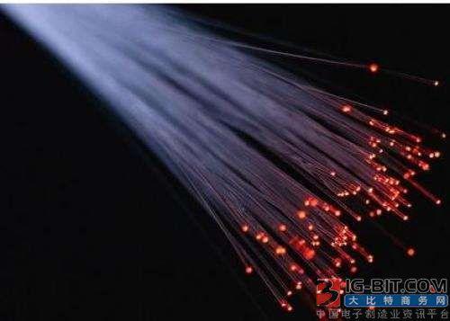 超低噪声光学放大器问世 可使光纤传输超过4000公里